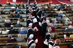 choir-aisle-introit-2010-030099